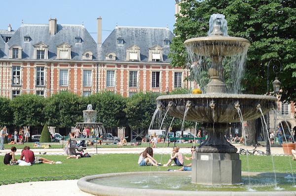Picknickplätze in Paris Place des Vosges