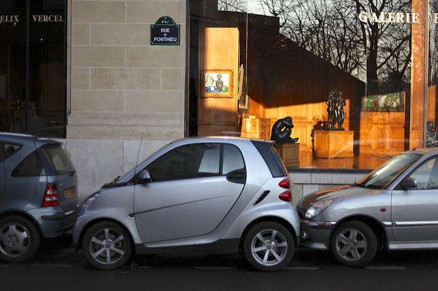 Mit dem Auto nach Paris: praktische Tipps