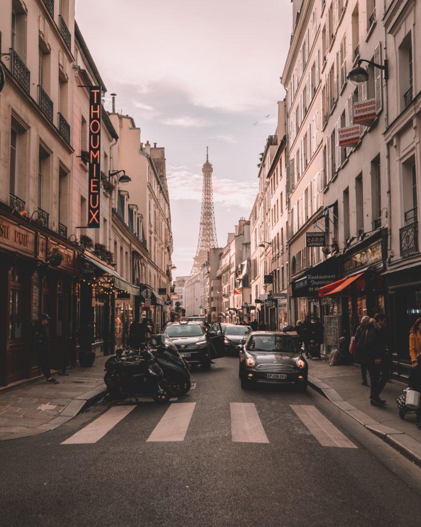 Paris Auto Mit dem Auto nach Paris: praktische Tipps
