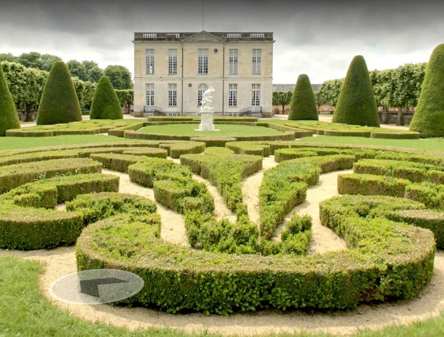 Google Chateaux de la Loire Chateau de Bouges