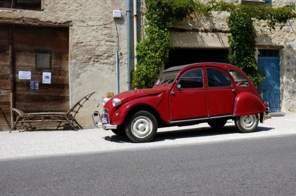 2CV Autos legendäre französische Oldies