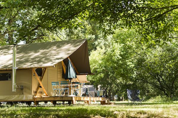 Huttopia Camping Les Chateaux Natur-Campingplatz Niederlanden