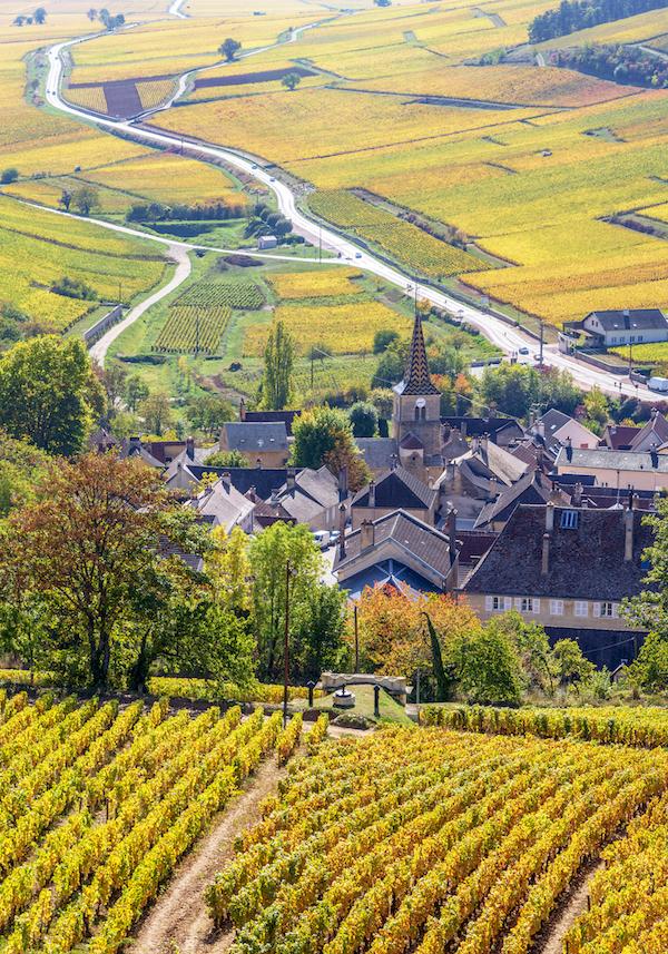 Pernand-Vergelesses Dorf Bourgogne