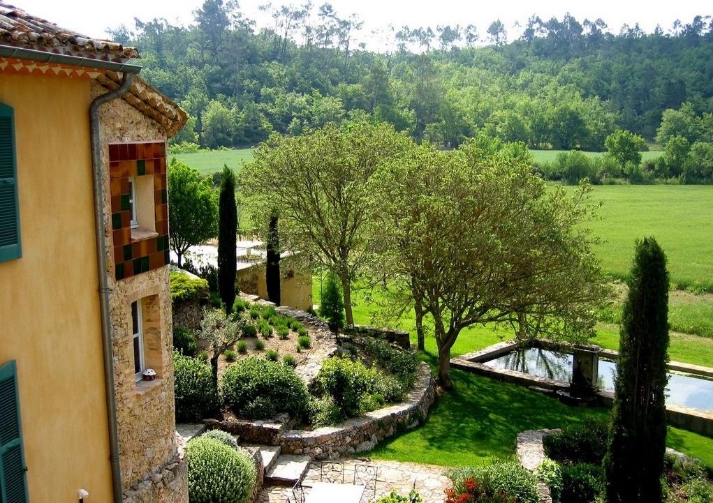 Une campagne en provence gardens