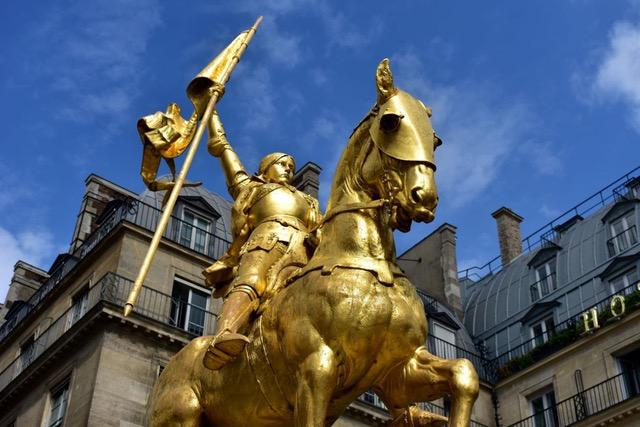 Jeanne d'Arc Place des Pyramides Paris Statue